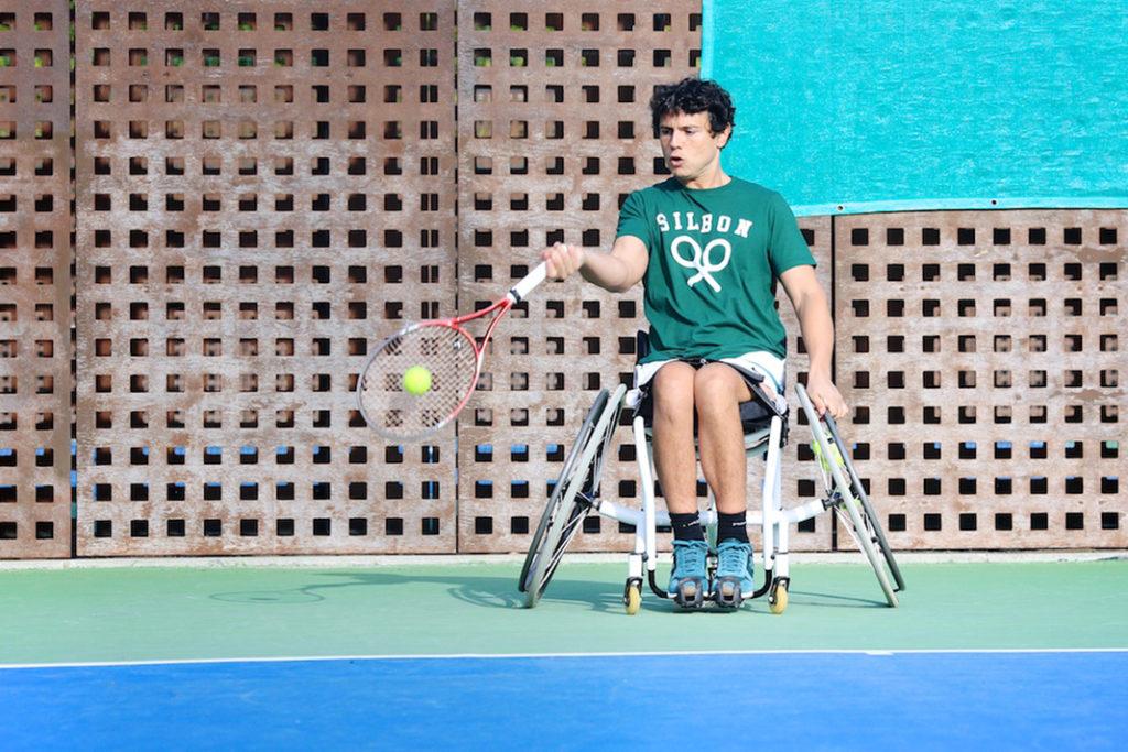 tenis en silla de ruedas, ocio adaptado, personas con discapacidad, silla de ruedas, rehatrans, pepe varela