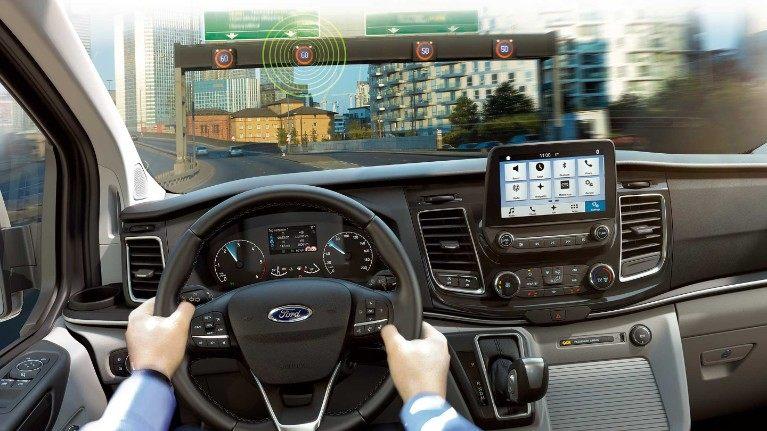 Ford_Tourneo_custom